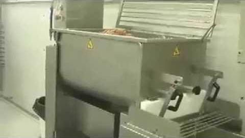 Промышленный миксер для приготовления салатов, оливье