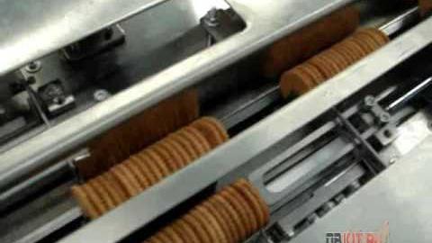 Групповая упаковка печенья на горизонтальной машине